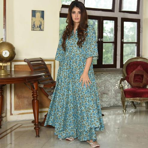 Alluring Sky Blue Colored Casual Digital Printed Muslin Blend Kurti-Palazzo Set