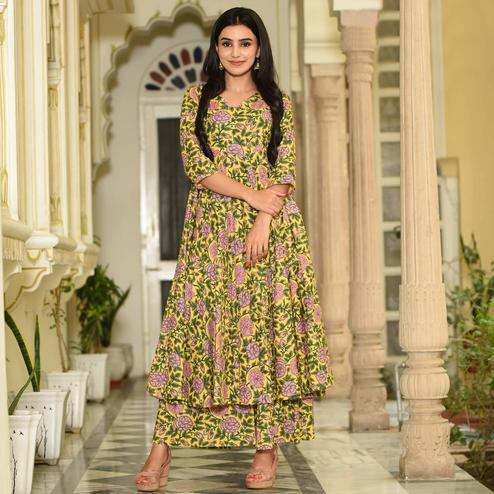 Flaunt Yellow Colored Casual Digital Printed Pure Muslin Kurti-Palazzo Set