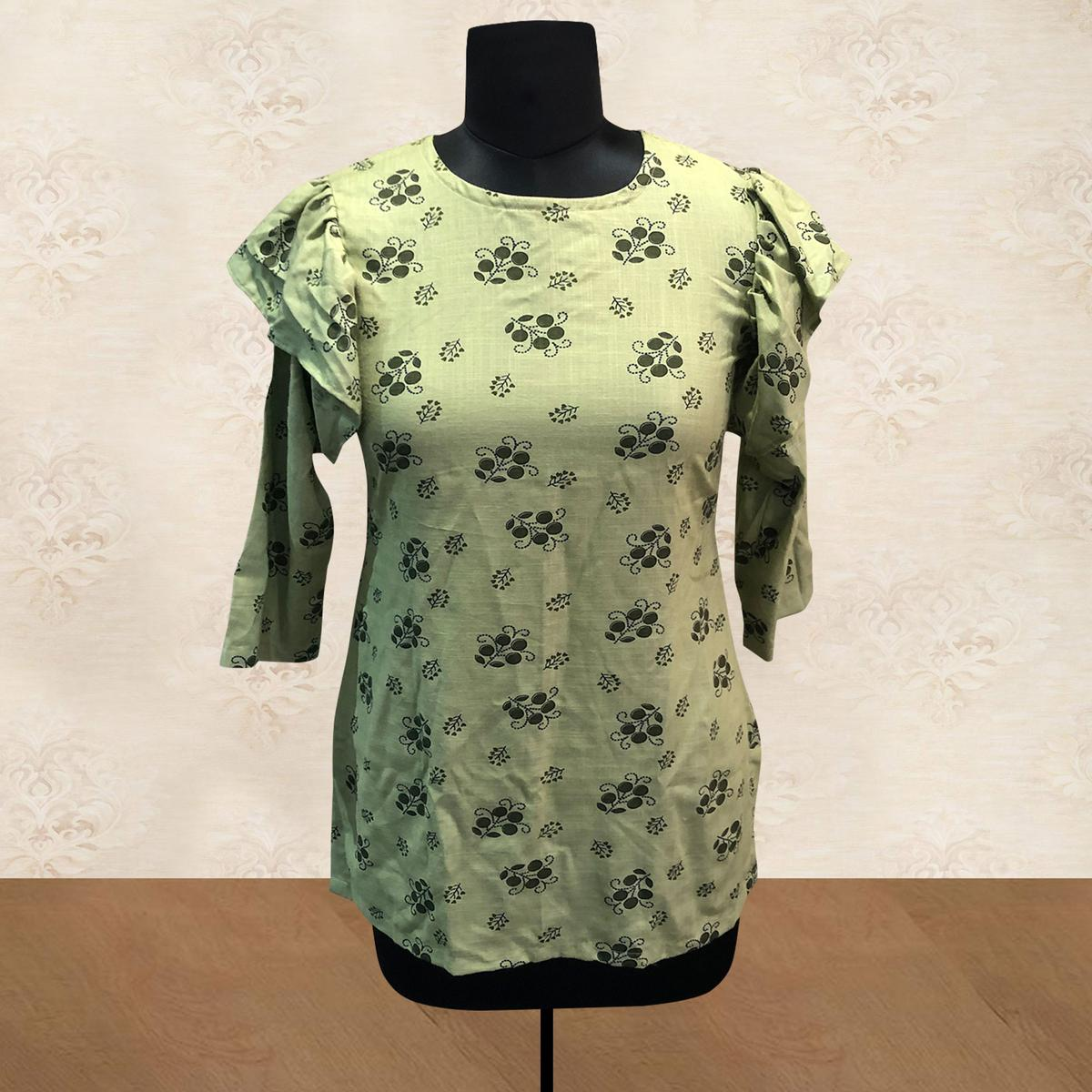 Delightful Green Colored Casual Printed Cotton Top