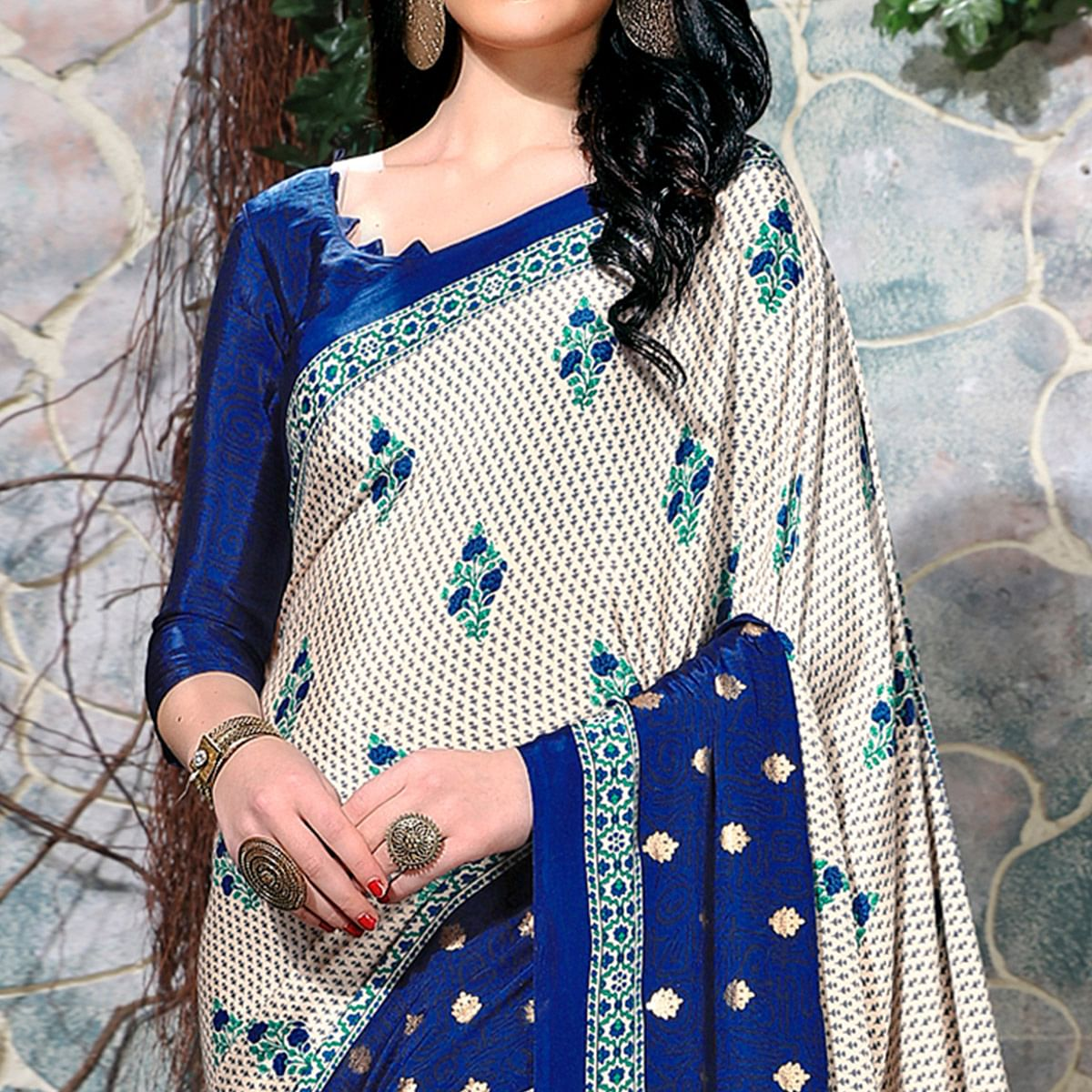 Beautiful Off White-Blue Colored Casual Wear Printed Crepe Saree