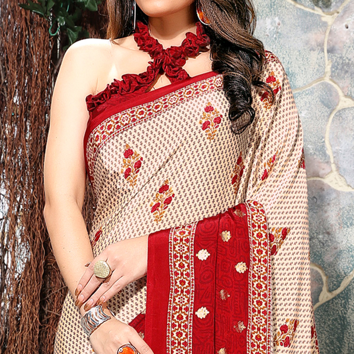 Graceful Off White-Red Colored Casual Wear Printed Crepe Saree