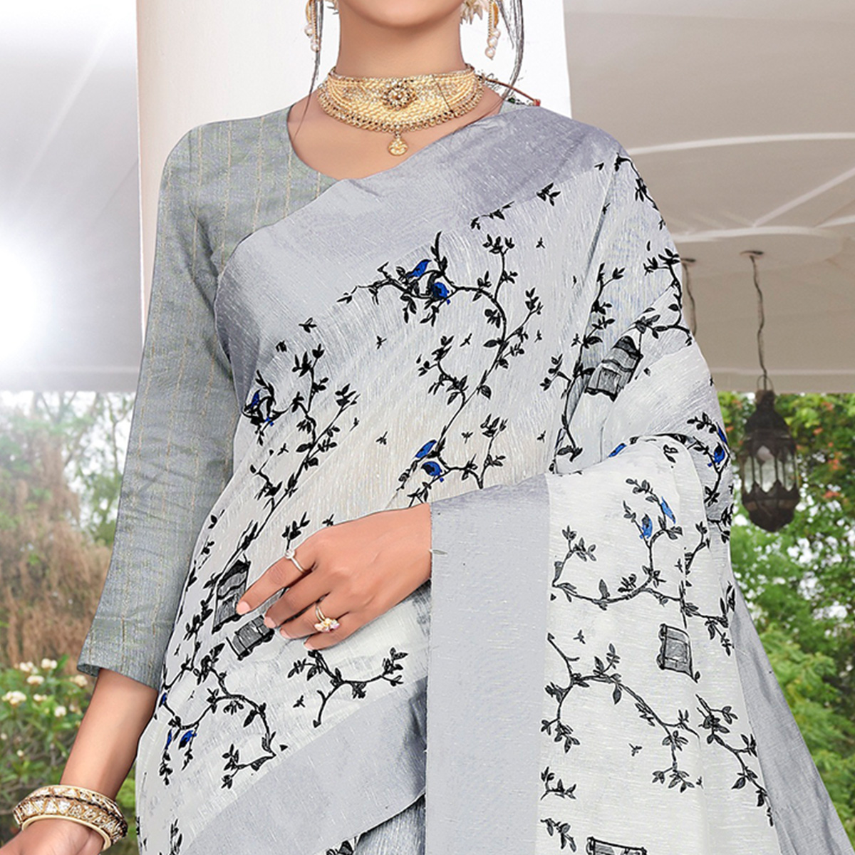 Trendy Light Grey Colored Casual Printed-Woven Linen Saree With Tassels