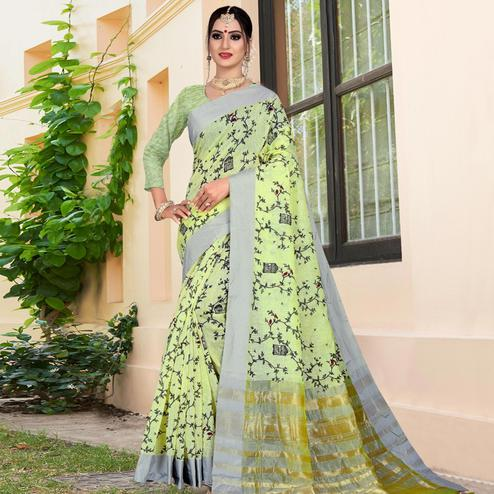 Energetic Light Green Colored Casual Printed-Woven Linen Saree With Tassels