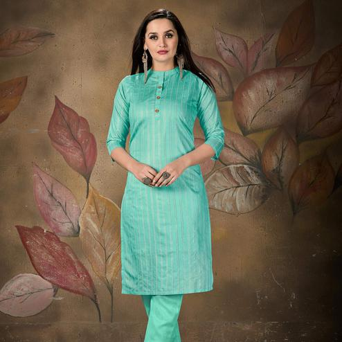 Trendy Aqua  Blue Colored Casual Wear Printed Cotton Kurti