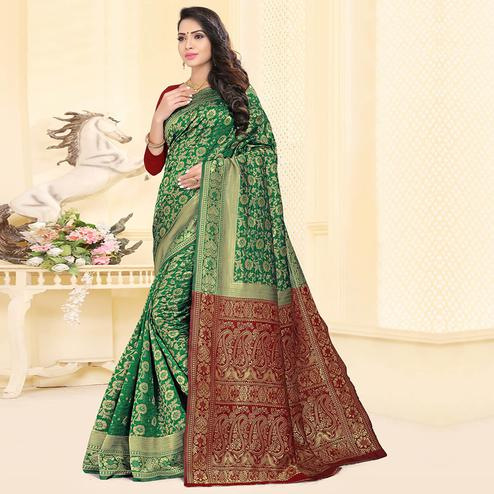 Adorning Green Colored Festive Wear Woven Silk Jacquard Saree