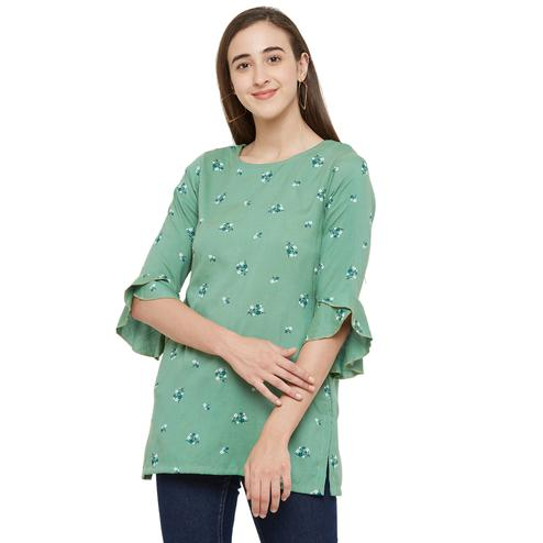 Adorning Green Colored Casual Wear Floral Printed Cotton Kurti