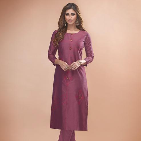 Attractive Mauve Colored Partywear Embroidered Viscose Kurti