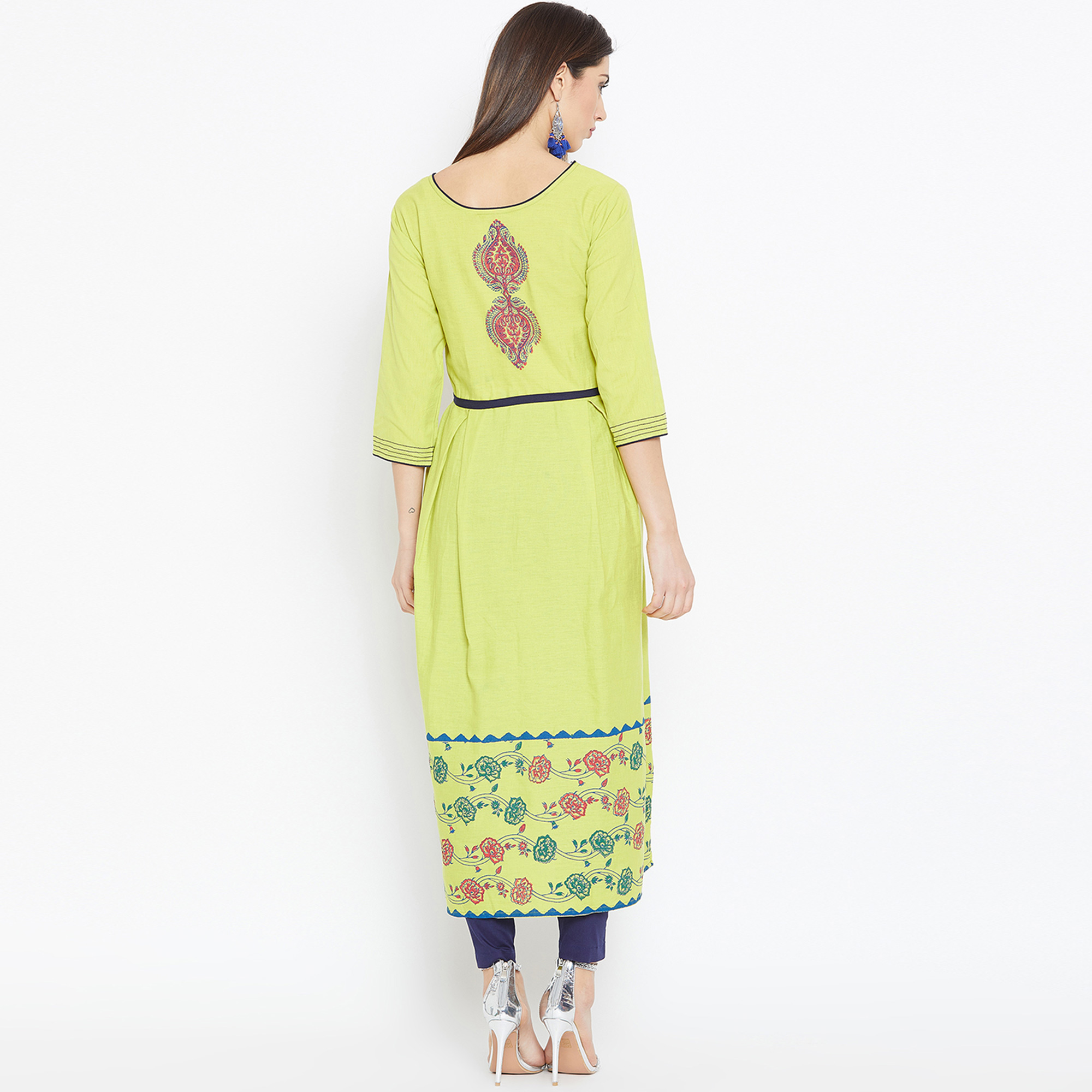 Blooming Green Colored Casual Wear Printed Cotton Long Kurti