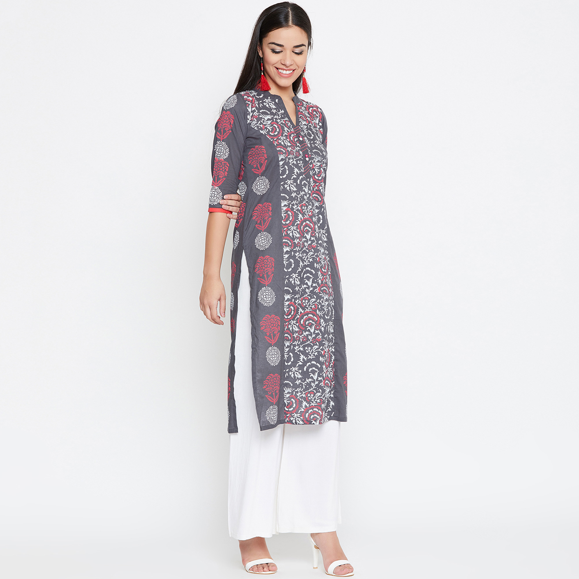 Charming Grey Colored Casual Wear Printed Cotton Kurti