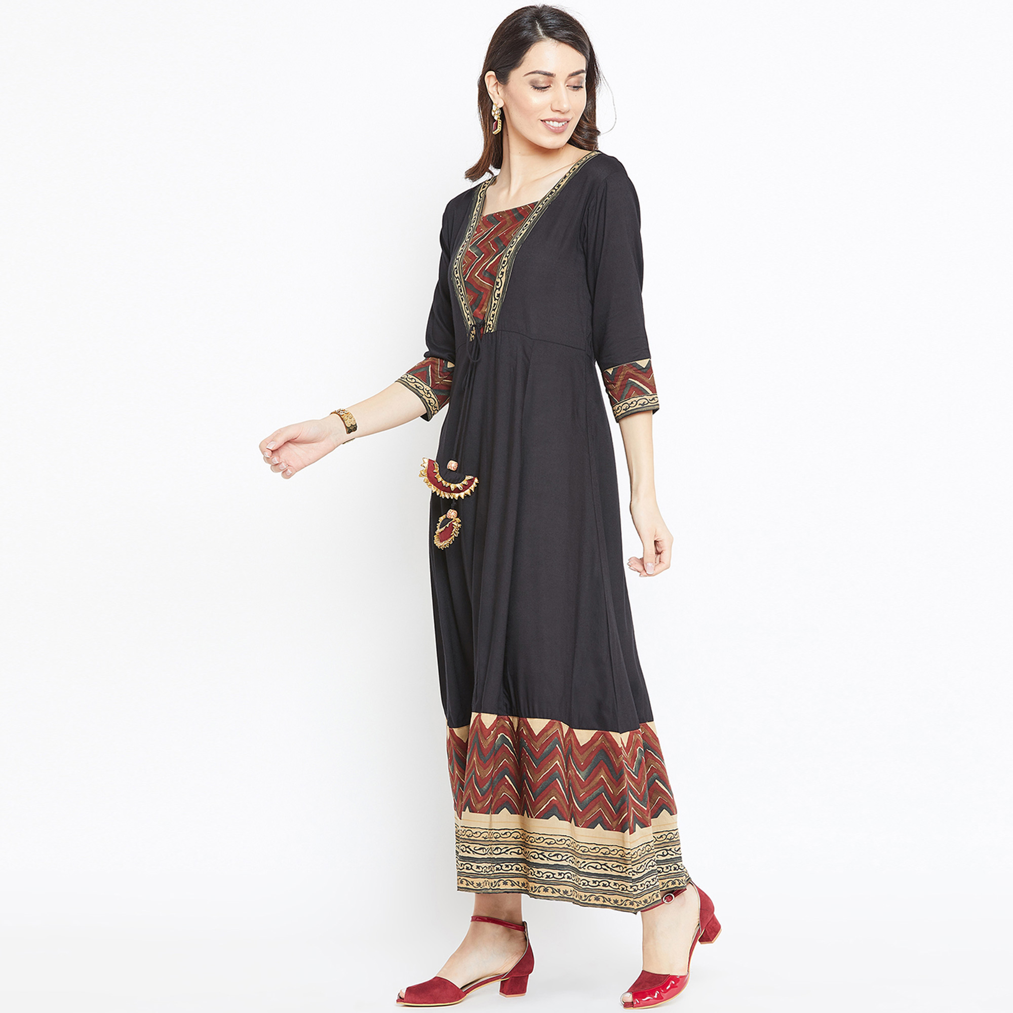 Refreshing Black Colored Casual Wear Printed Rayon Long Kurti