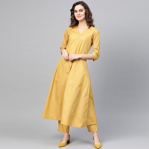 Mesmerising Mustard Yellow Colored Party WearGeometric Printed Crepe Kurti-Pant Set