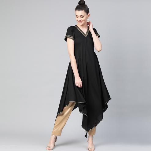 Radiant Black Colored Casual Wear Crepe Long Kurti