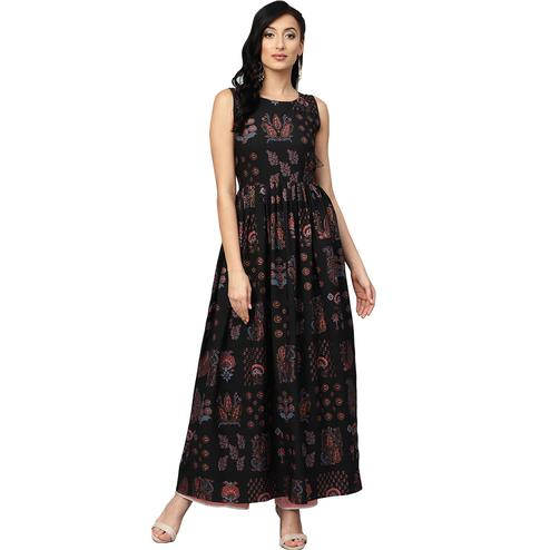 Mesmeric Black Colored Casual Wear Printed Crepe Long Kurti