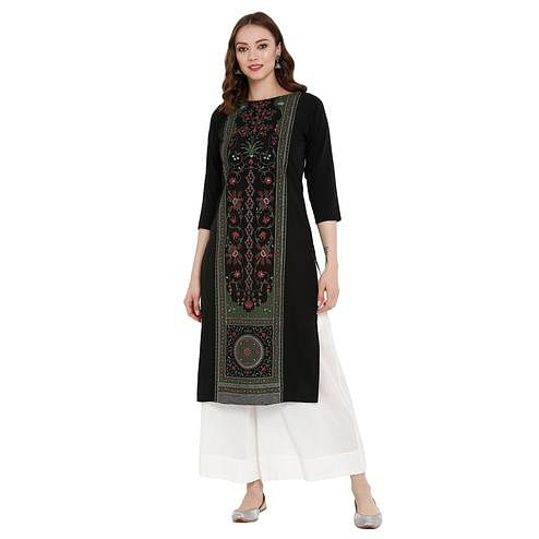 Staring Black Colored Casual Wear Printed Crepe Kurti