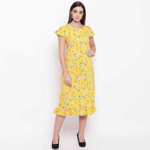 Beautiful Yellow Colored Casual Wear Floral Printed Crepe A-Line Midi Dress