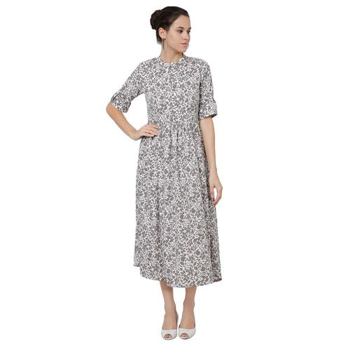 Blooming Grey Colored Casual Wear Abstract Printed Crepe Maxi Dress