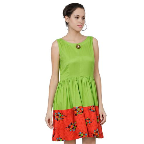 Engrossing Green Colored Geometrical Printed Rayon Fit & Flare Midi Dress