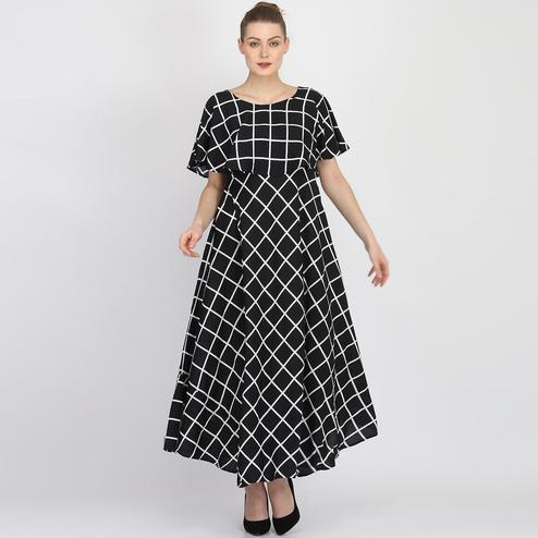 Captivating Black Colored Partywear Cape Sleeve Checked Printed Crepe Maxi Dress