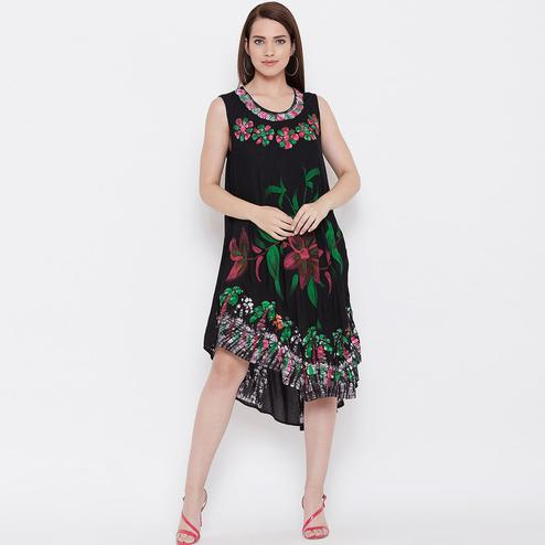 Ideal Black Color Casual Wear Floral Printed Rayon Dress