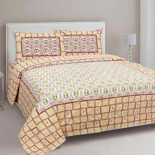 Mesmerising Cream-Yellow Colored Floral Printed Cotton Double Bedsheet With Pillow Cover