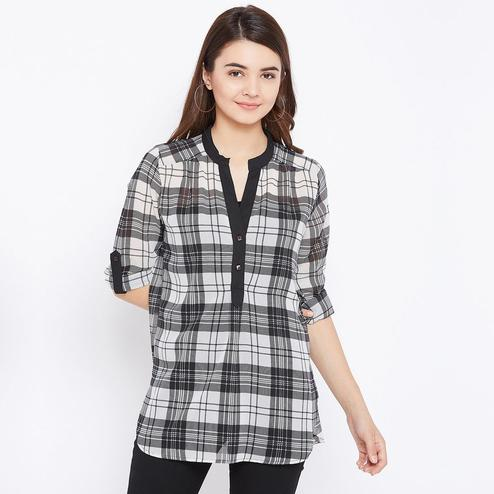Capricious Black Colored Casual Wear Stripe Printed Geoegette Top
