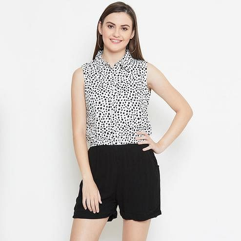 Magnetic Off White - Black Color Casual Wear Animal Printed Crepe Jumpsuit