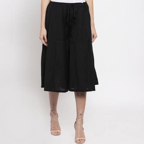Sophisticated Black Colored Casual Wear Cotton Flared Culotte Pant