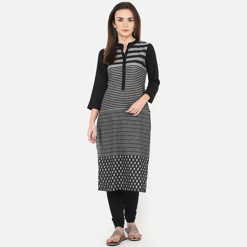 Engrossing Black Colored Casual Wear Stripes Printed Cotton Kurti