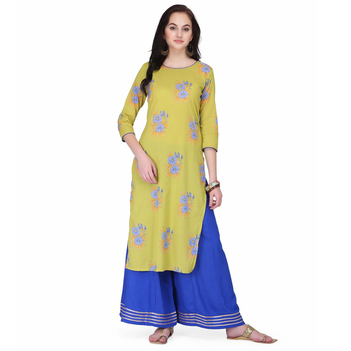 Jazzy Green Colored Casual Wear Floral Printed Cambric Cotton Straight Kurti-Palazzo Set
