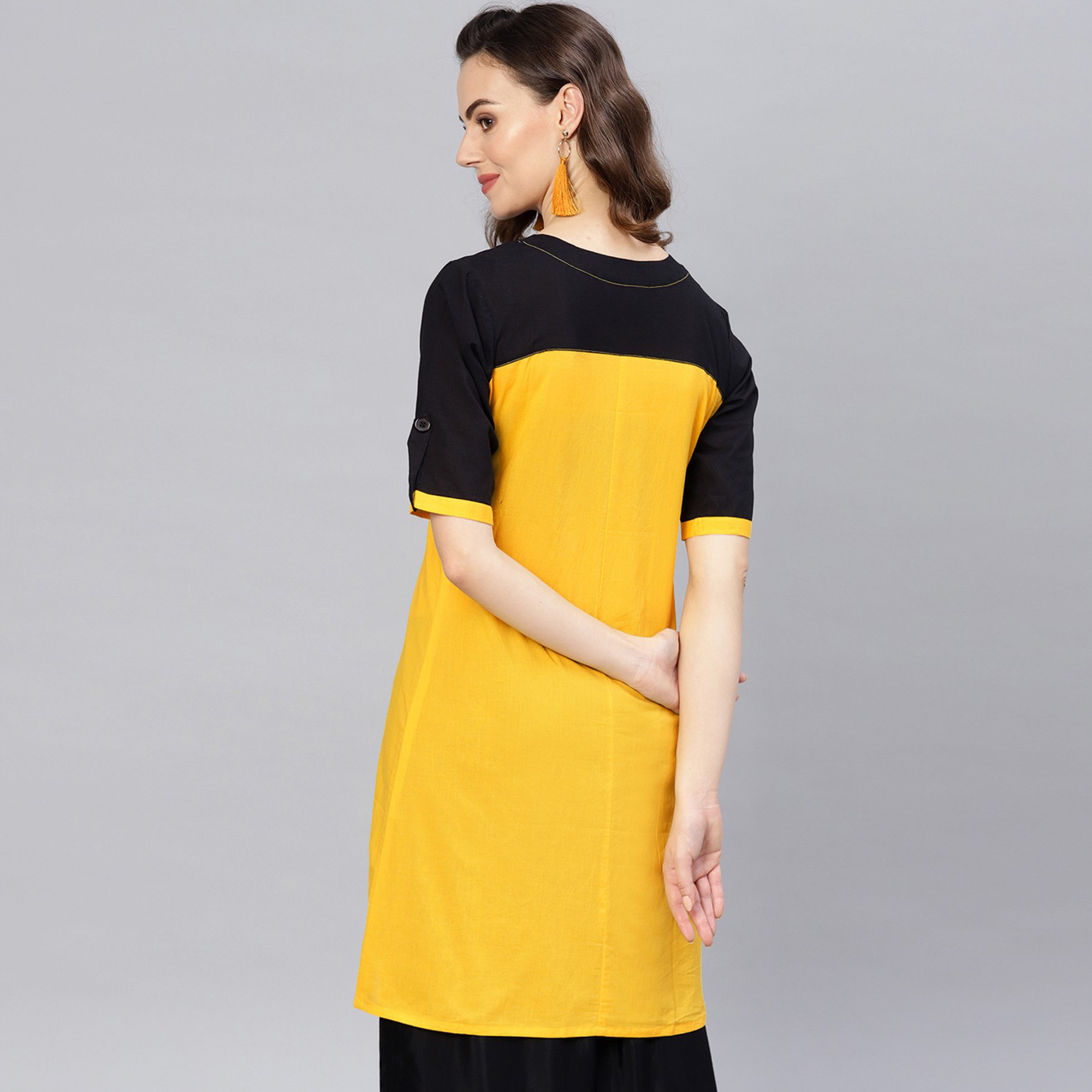 Pretty Yellow Colored Casual Wear Cotton Kurti