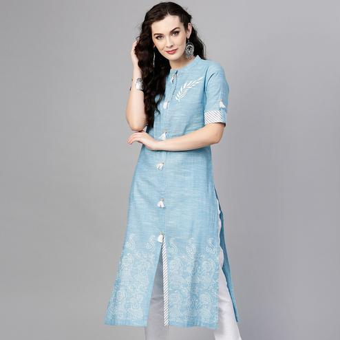 Hypnotic Blue Colored Casual Wear Printed Cotton Kurti