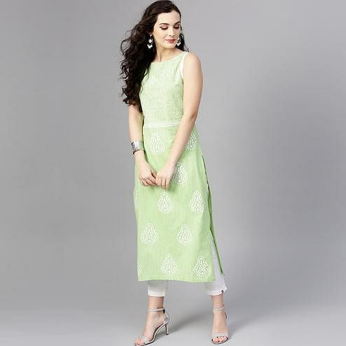 Flattering Light Green Colored Casual Wear Printed Cotton Kurti