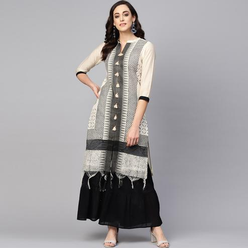 Amazing Off White-Black Colored Casual Wear Printed Chanderi Kurti