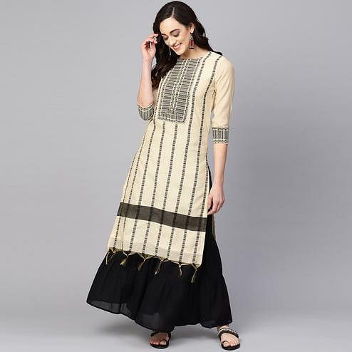 Gorgeous Off White Colored Casual Wear Printed Chanderi Kurti