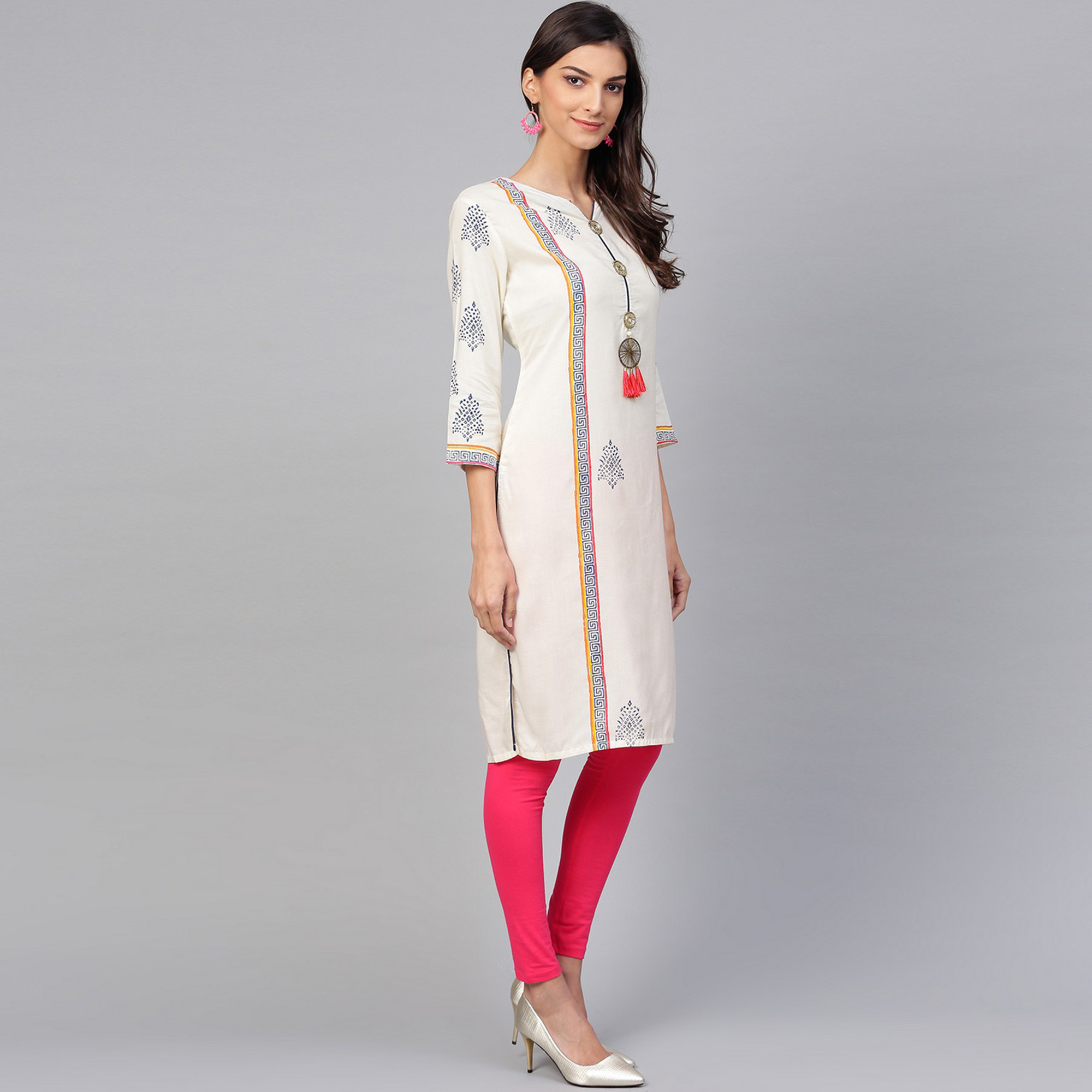 Arresting Off White Colored Casual Wear Printed Rayon Kurti