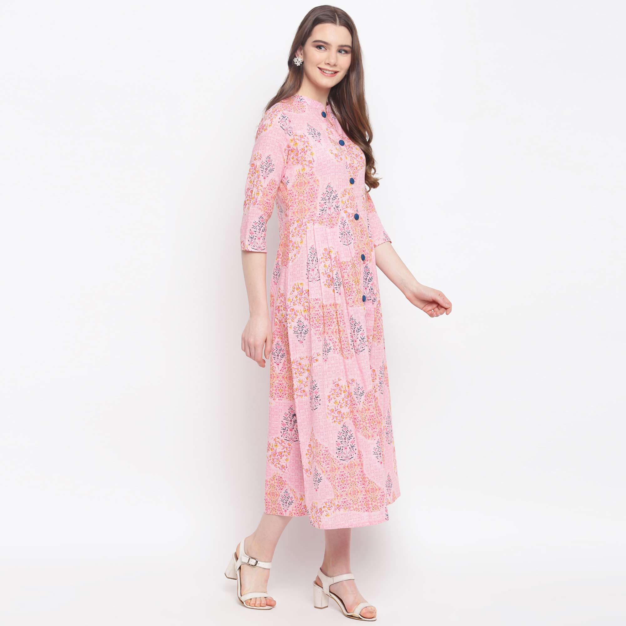 Demanding Pink Colored Casual Wear Floral Printed Cotton Kurti