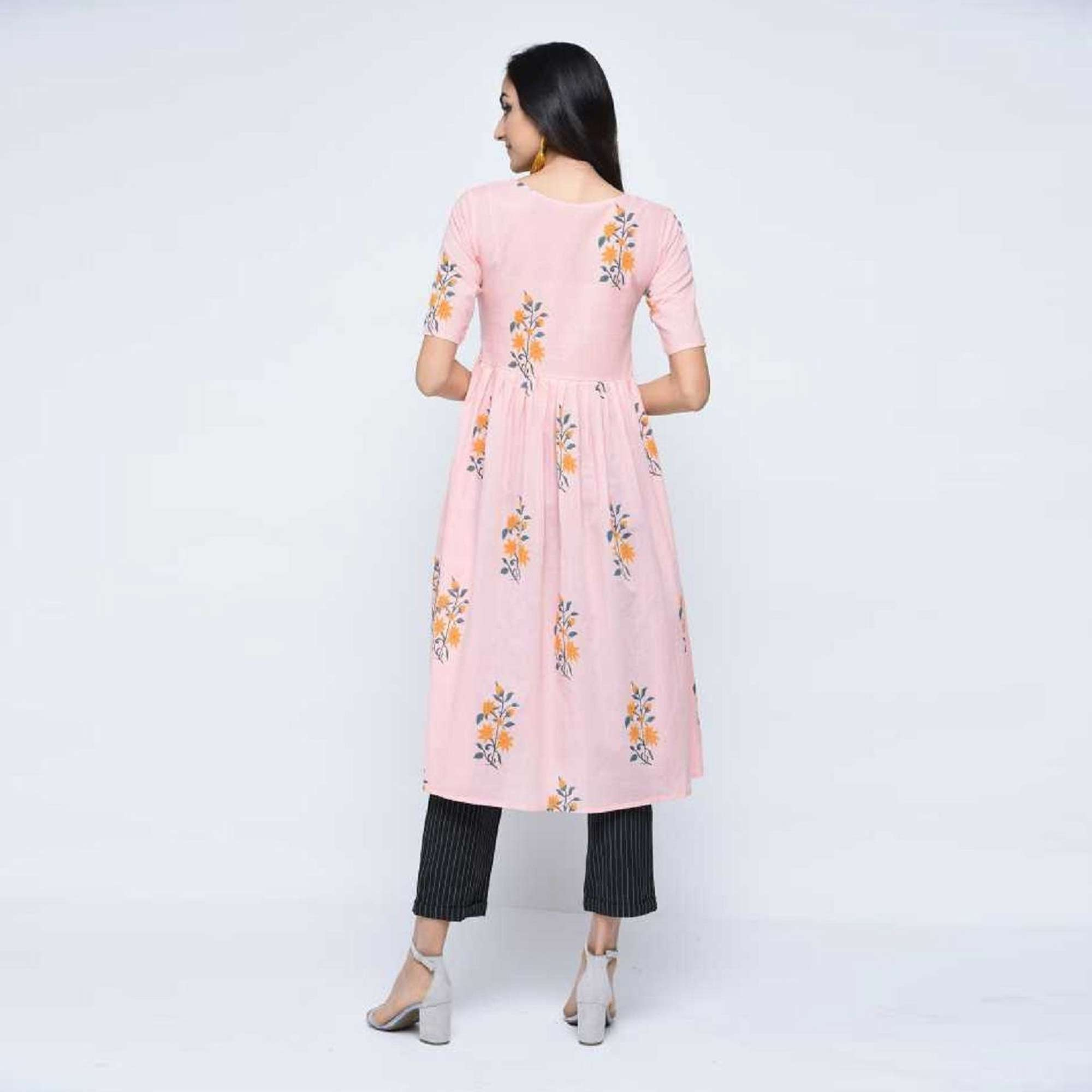 Pretty Pink Colored Casual Wear Floral Printed Cotton Kurti