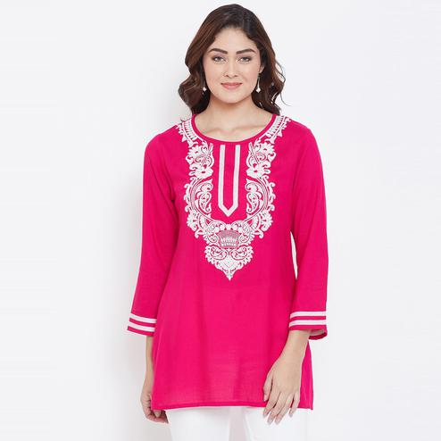 Sethi Daughters Women Fuschia Color Embroidered Rayon Tunic