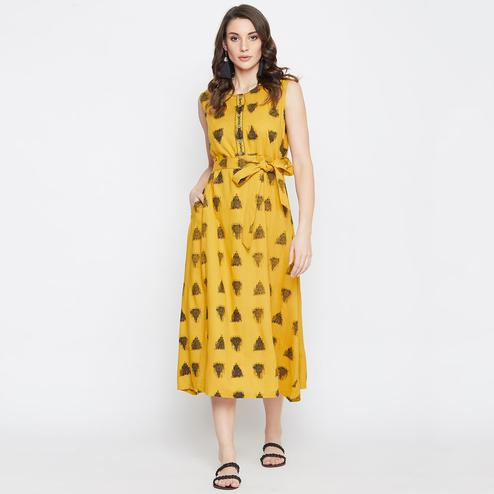 Women Yellow Colored Casual Waist Tie Rayon kurti
