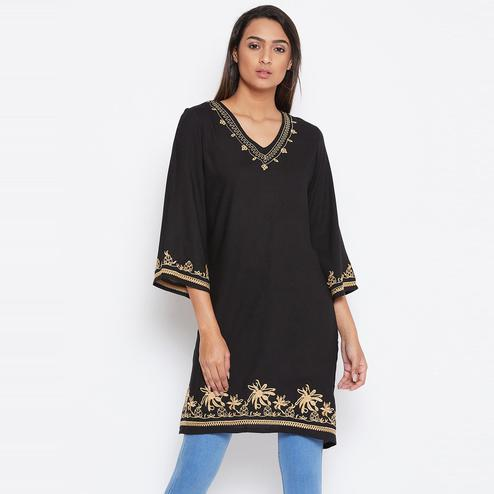 Sethi Daughters Women Black Color Embroidered Rayon Tunic