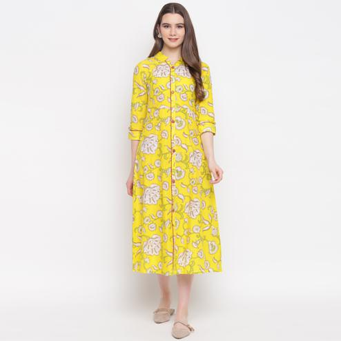 Delightful Lemon Yellow Colored Casual Wear Printed A-Line Calf Length Cambric Kurti