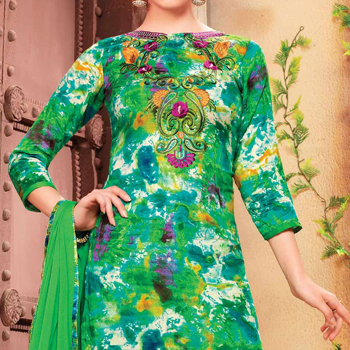 Green Boat Neck Embroidered Suit