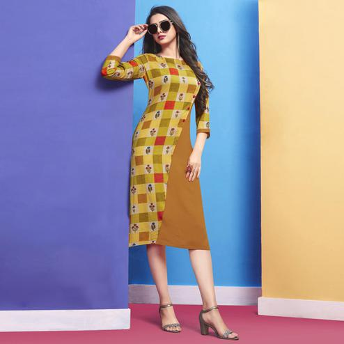 Flattering Light Green Colored Casual Wear Printed Rayon Kurti