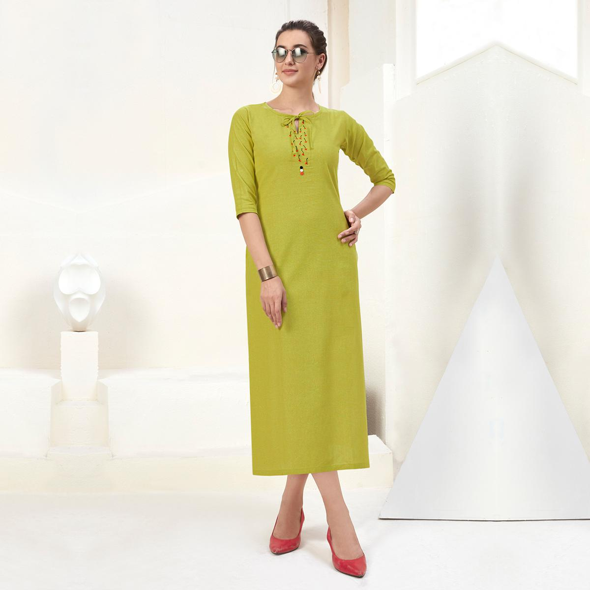 Engrossing Green Colored Casual Wear Embroidered Cotton Kurti