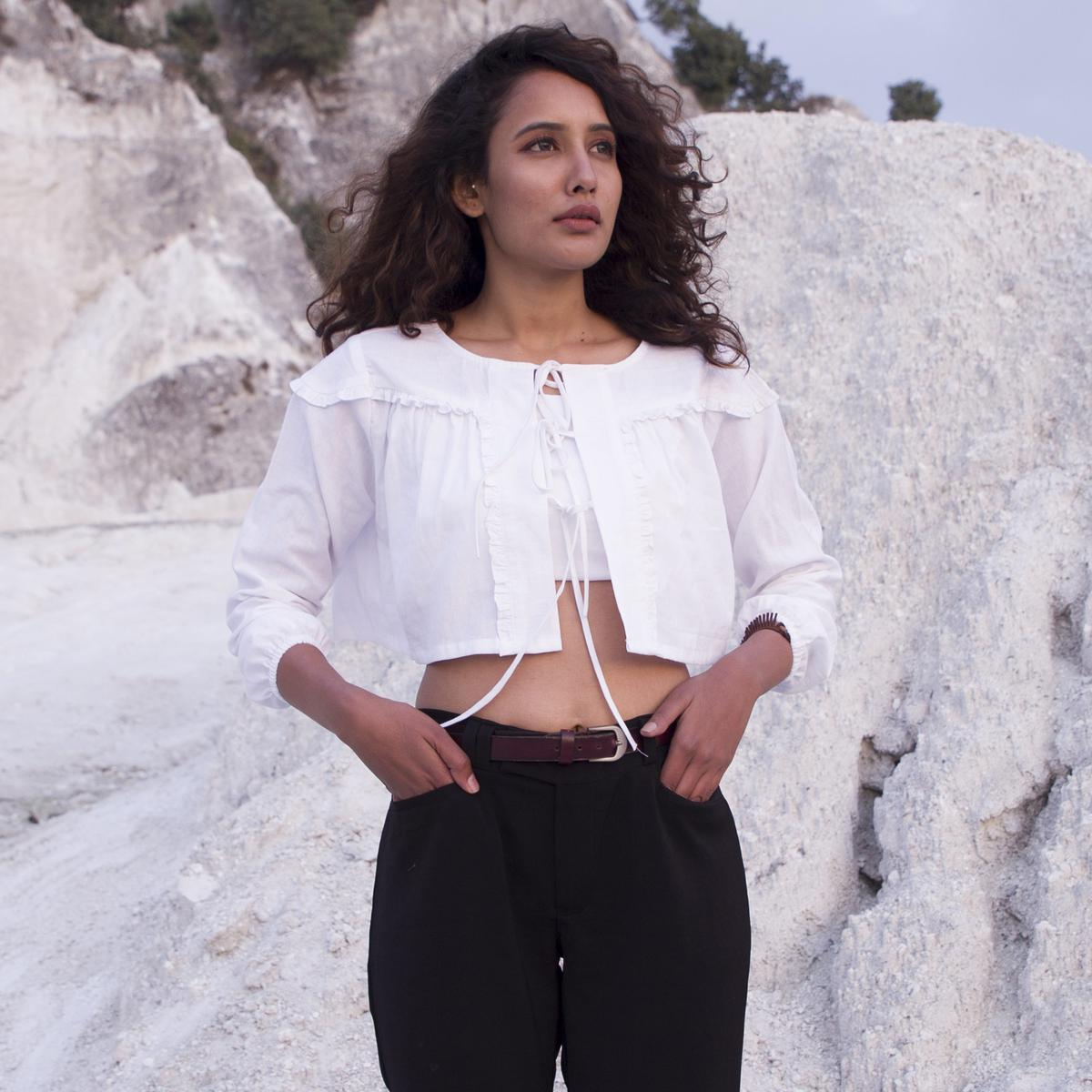 Exceptional White Colored Casual Wear Hand Woven Cotton Crop Top