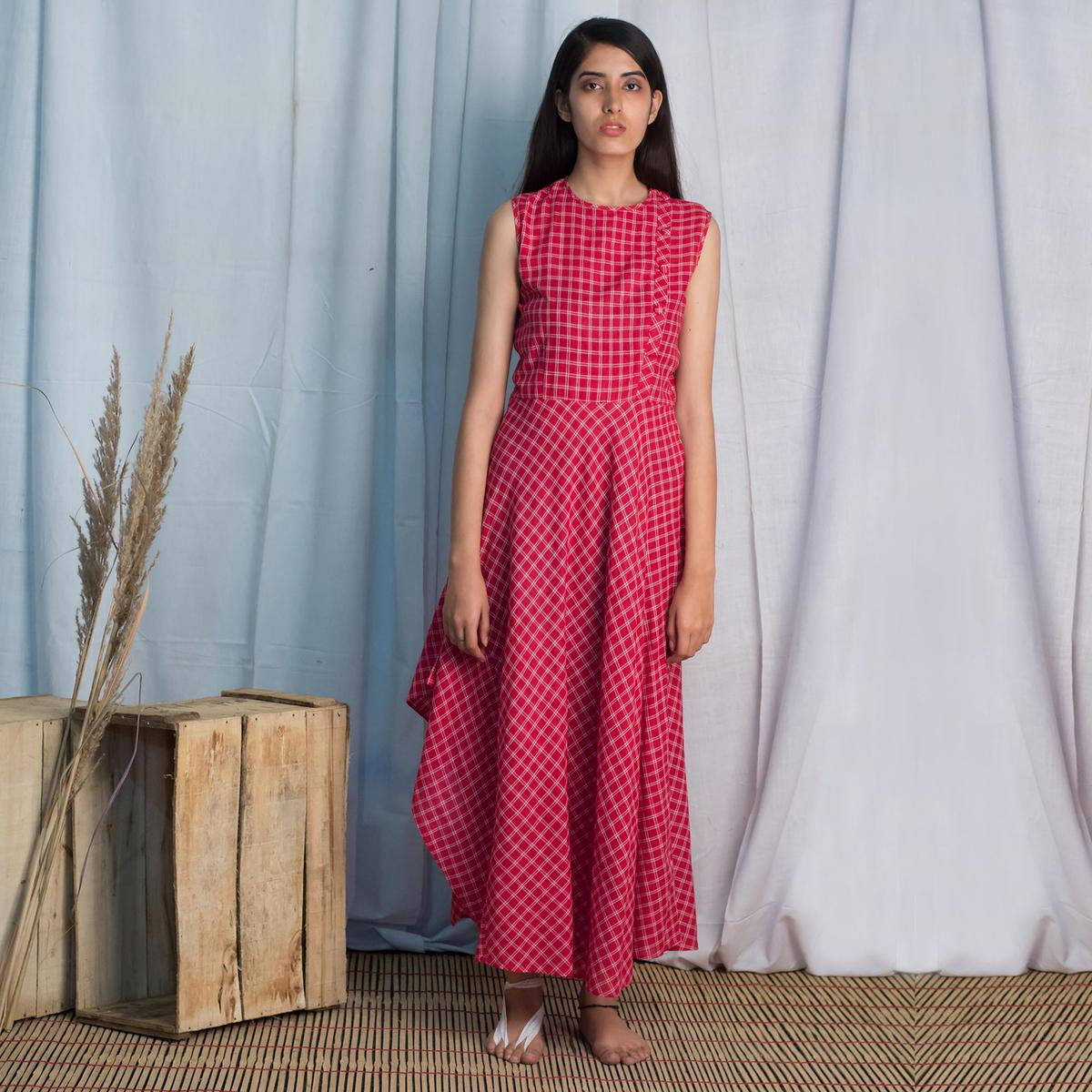 Refreshing Red Colored Casual Wear Check Cotton A Line Long Dress