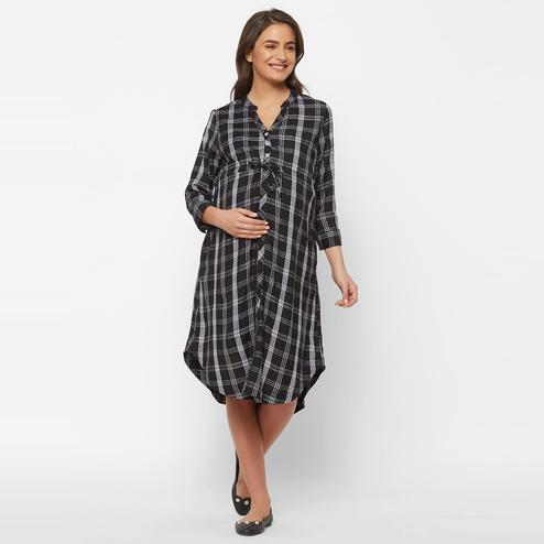 Mystere Paris - Black White Colored Classy Checked Rayon Maternity Dress