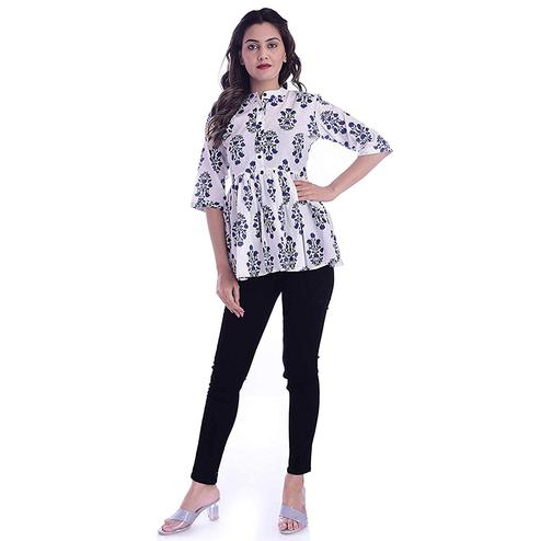 TMN Trendy Women White And Blue Colored Cotton Short Kurta