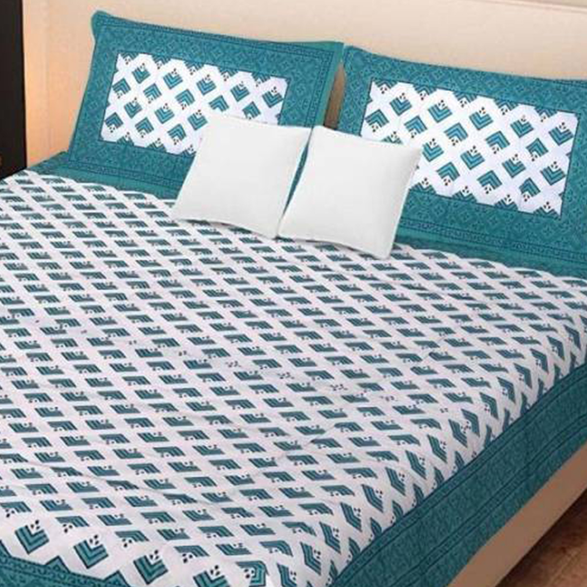 Breathtaking Sea Green Colored Zig Zag Pattern Cotton Bedsheet With Pillow Cover