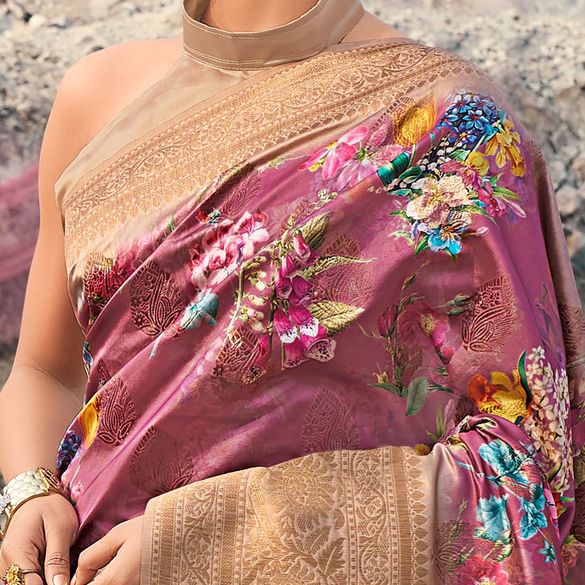 Hypnotic Pink Colored Partywear Digital Floral Printed Silk Saree